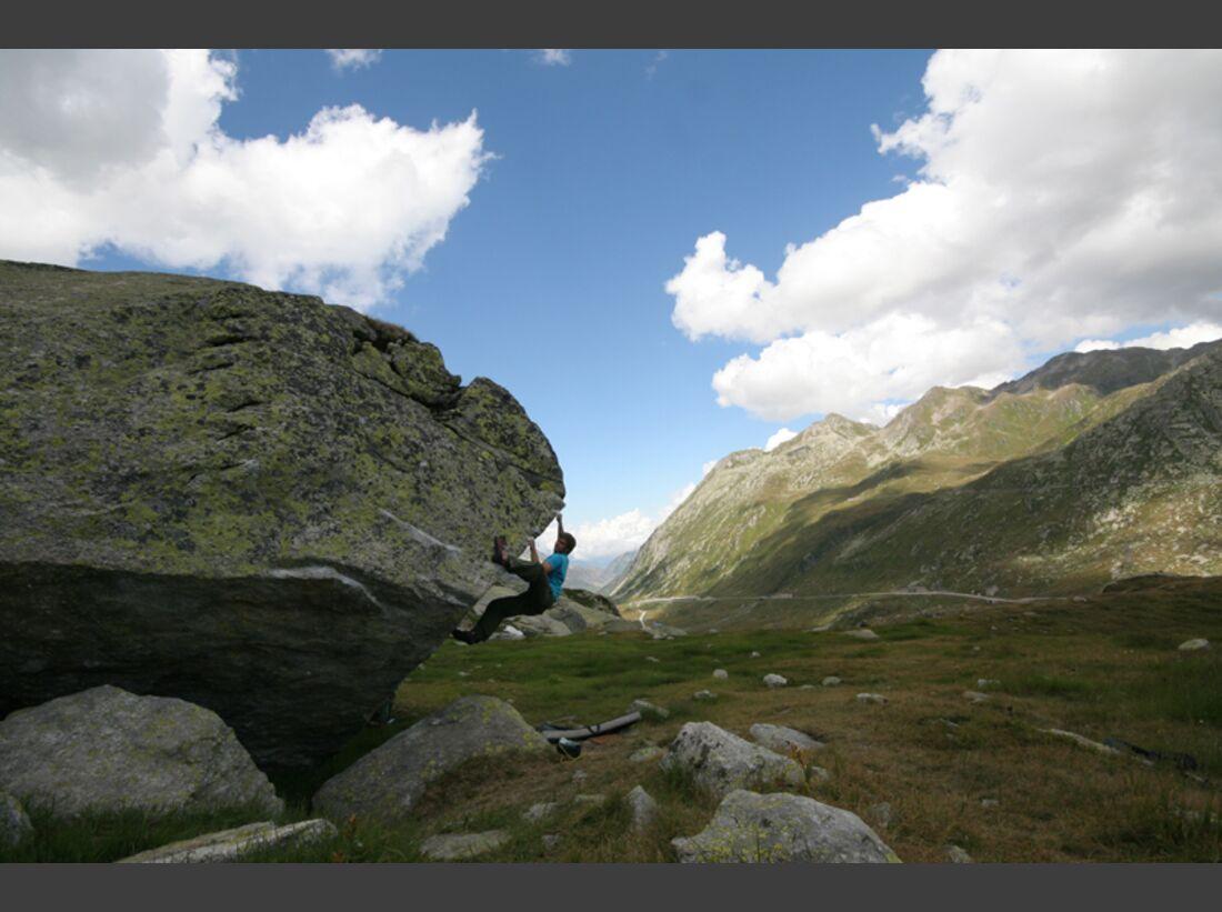 KL-Alpenbouldern-Enzo-Gotthard_1 (jpg)
