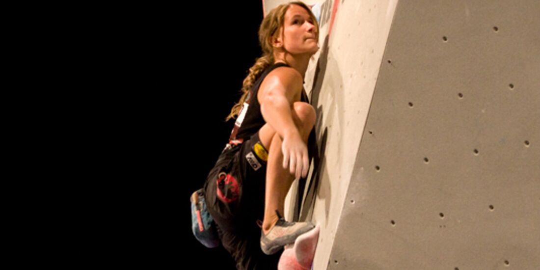 KL Anna Stöhr beim Boulderworldcup in Hall