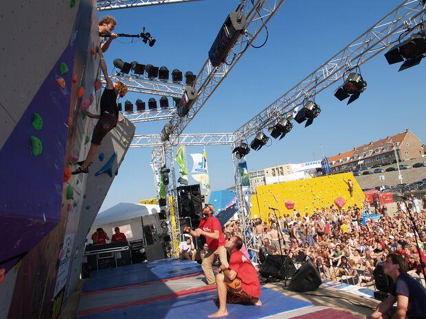KL-BAZ-Boulderen-an-Zee-podium-view-2008 (jpg)