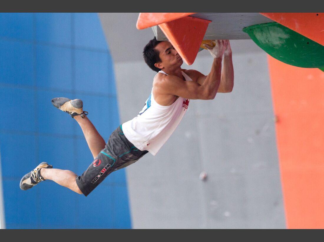KL-Boulder-Weltcup-Haiyang-2014-Sean-McColl-14472336202_777aecd008_b (jpg)