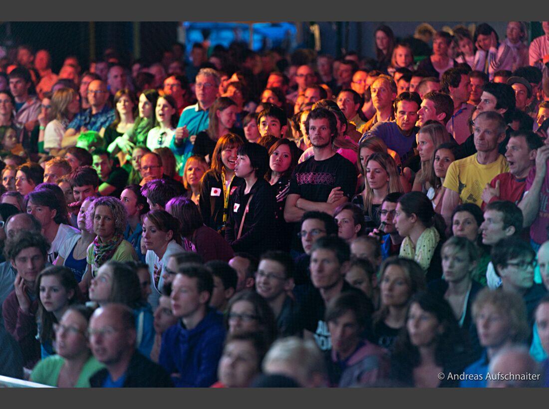 KL-Boulder-Weltcup-Kitzbuehel-2013-Publikum_DSC2348 (jpg)