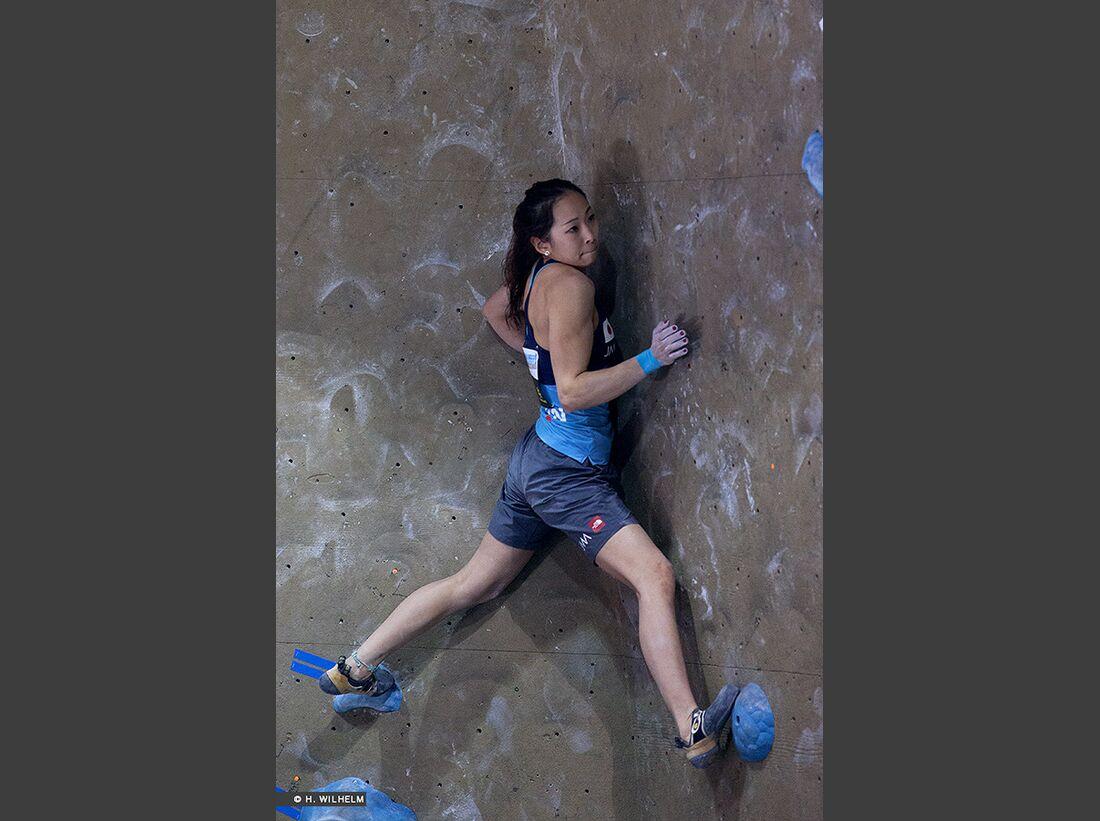 KL-Boulder-Weltcup-Toronto-2014-Akiyo-Noguchi-14141507137_01b30103ef_b (jpg)