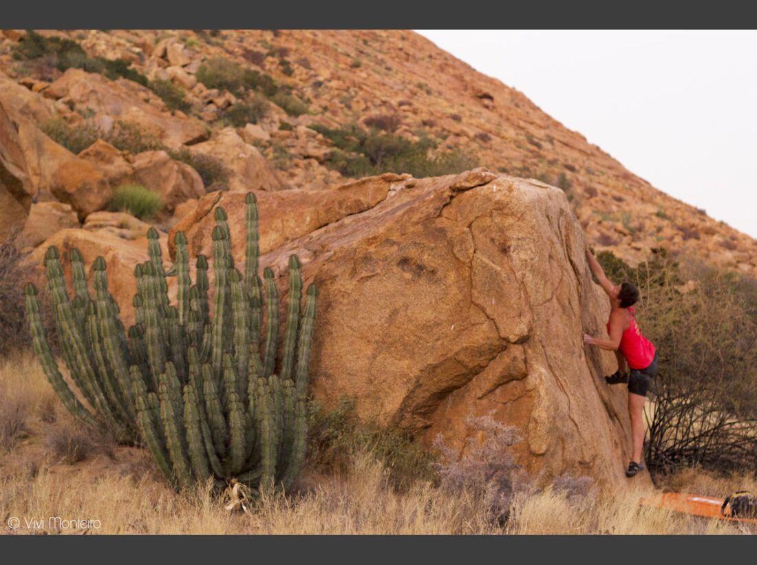 KL-Bouldern-in-Namibia-c-Jean-Louis-Wertz-Nath_blochauff_9968A (JPG)