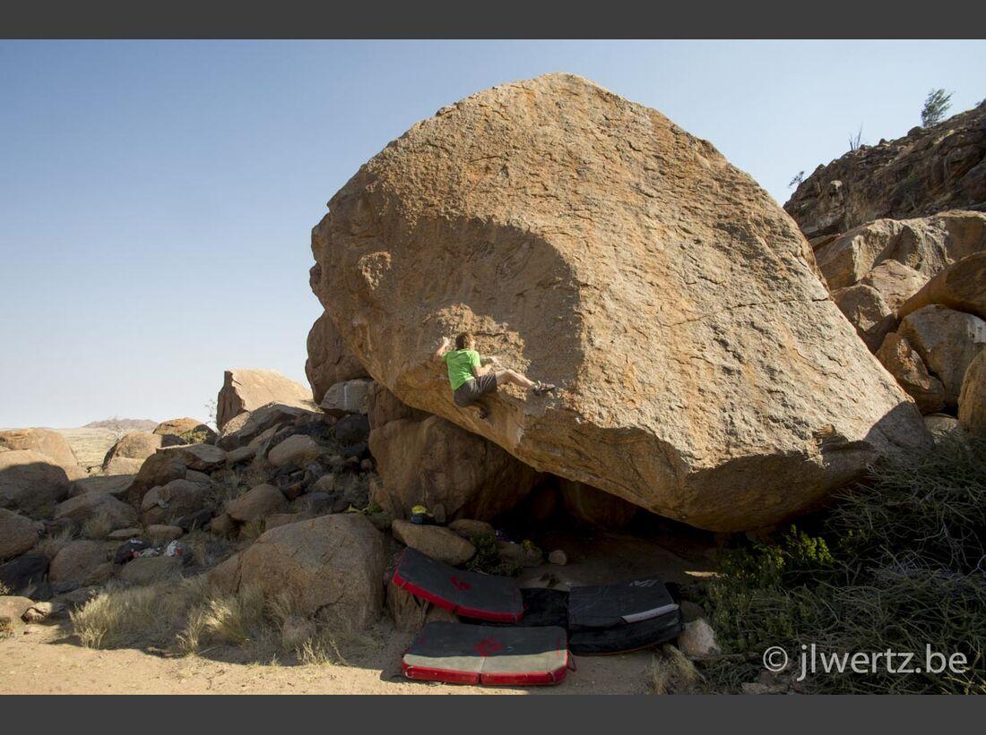 KL-Bouldern-in-Namibia-c-Jean-Louis-Wertz-jlw-namibia14-2321 (jpg)