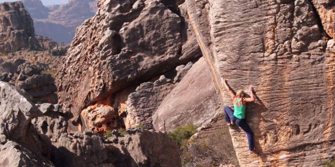 KL Katha Saurwein bouldert in Rocklands Südafrika