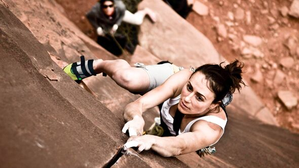 KL-Steph-Davis-climbing-StephDavis-c-Tommy-Chandler (jpg)