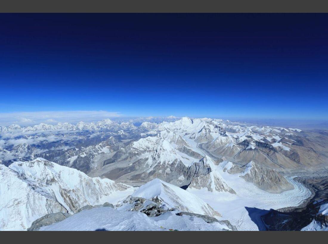 OD-Beyond-The-Edge-Sir-Edmund-Hillarys-Aufstieg-Zum-Gipfel-des-Everest-DVD-Start-2015-08 (jpg)