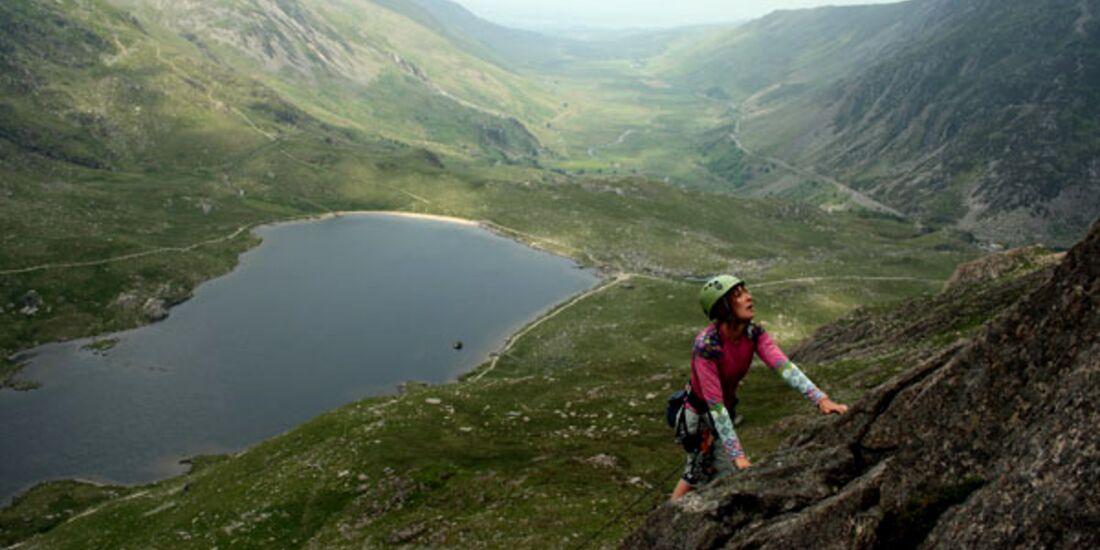 RachelBarlow_toppingoutSubCneifionRib_Ogwen_KL-Wales (jpg)