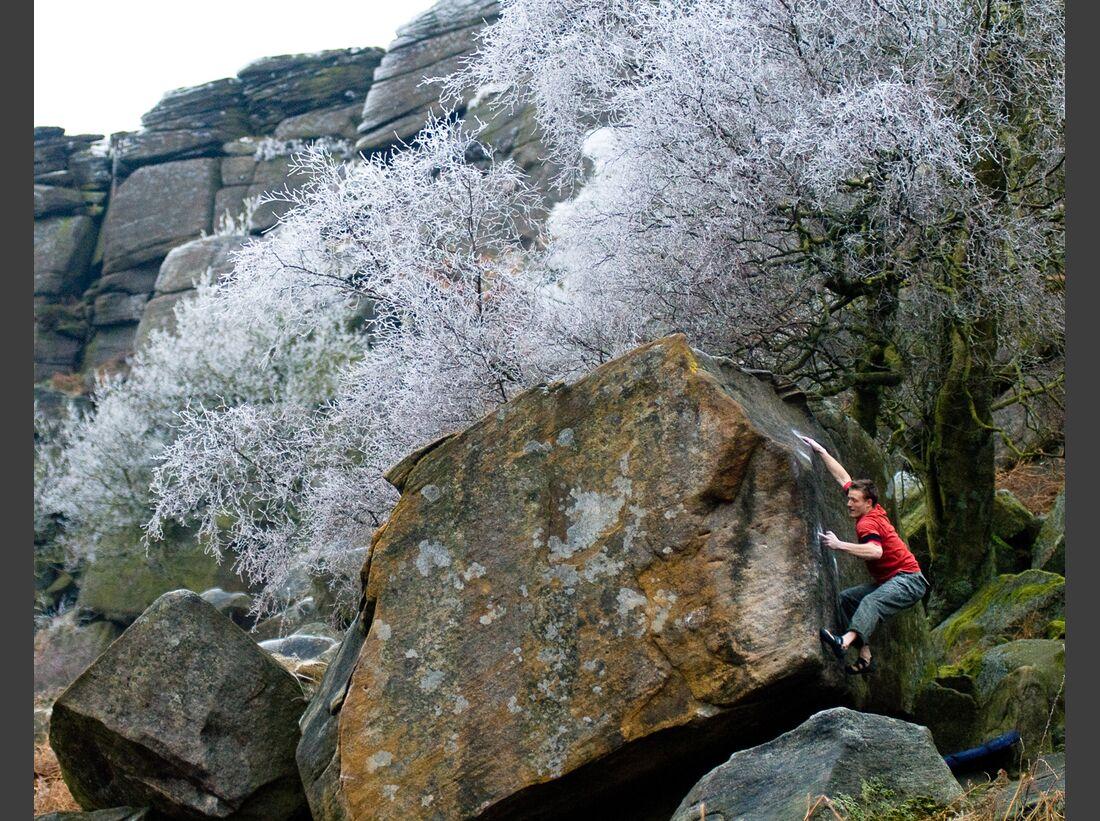 kl-bouldern-england-boulder-britain-peak-district-winter (jpg)