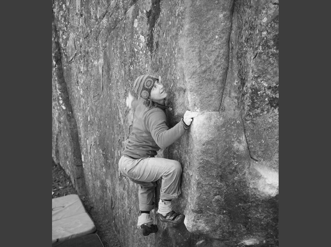 kl-bouldern-fontainebleau-ines-bischoff-l-expo-d-enfer-5- (jpg)