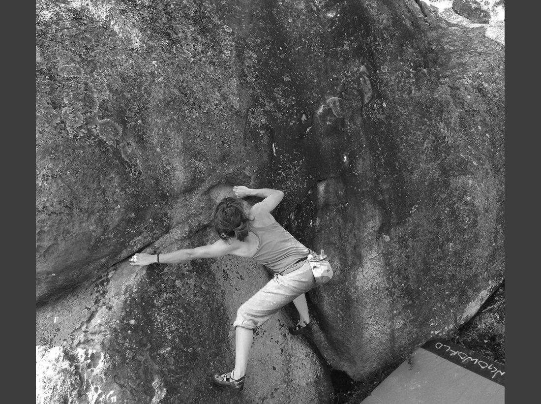 kl-bouldern-fontainebleau-sarah-burmester-apremont-img3249 (jpg)