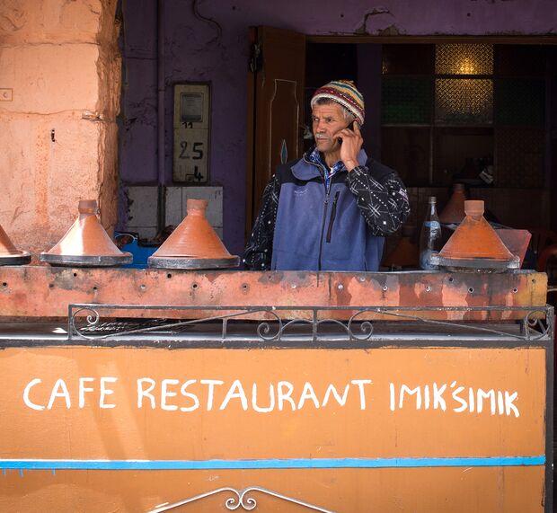 kl-bouldern-marokko-oukaimeden-brahim-cafe-restaurant-imiksimik-for-tagines (jpg)