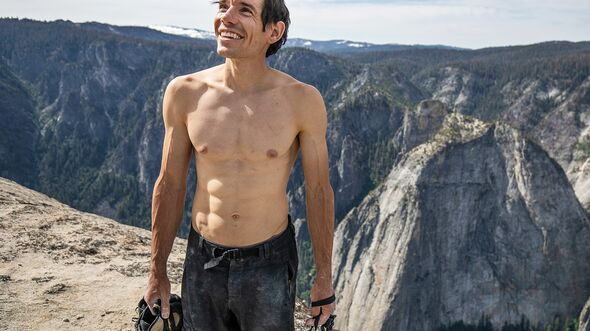 kl-free-solo-honnold-film-05_Alex-Honnold-nach-el-cap-free-solo-c-national-GeographicJimmy-Chin (jpg)