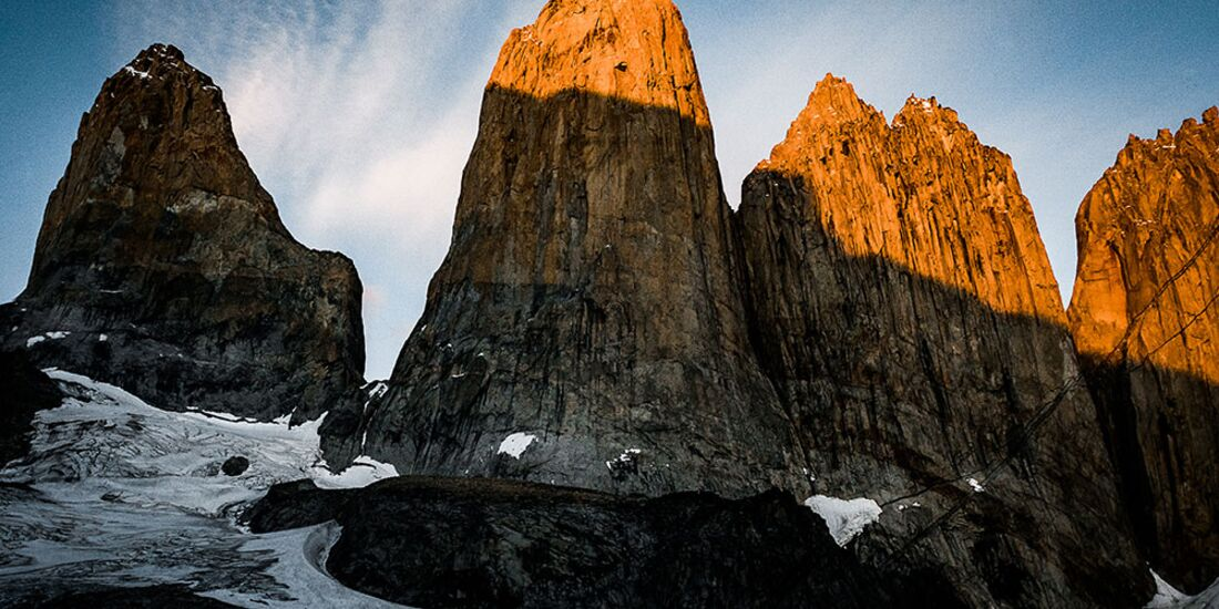 kl-ines-papert+mayan-smith-gobat-riders-on-the-storm-patagonia-c-franz-walter-0306 (jpg)